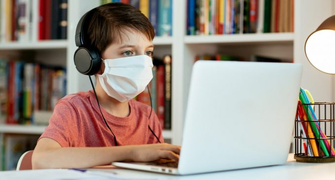 pandemi döneminde çocuklara yaklaşım, online eğitim, pandemide online eğitim